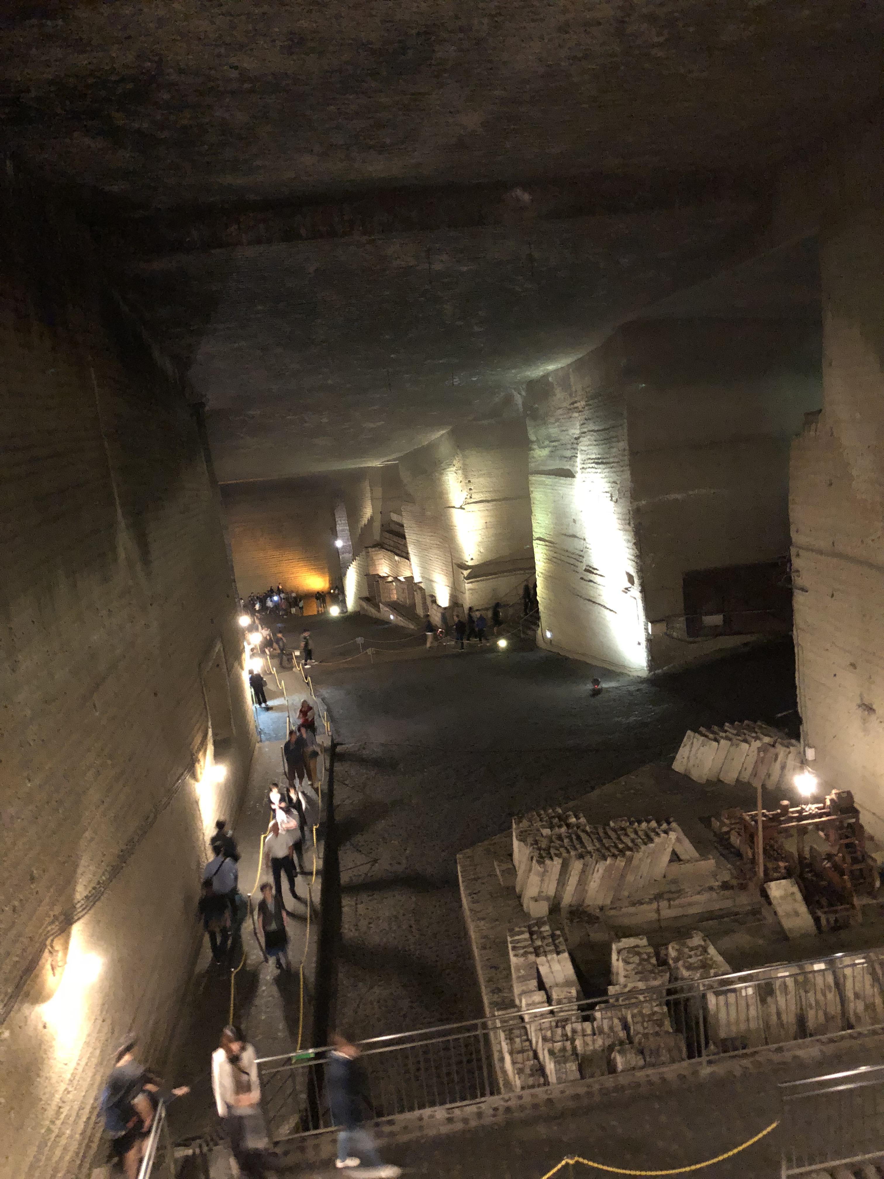 大谷採掘場跡地の地下内部